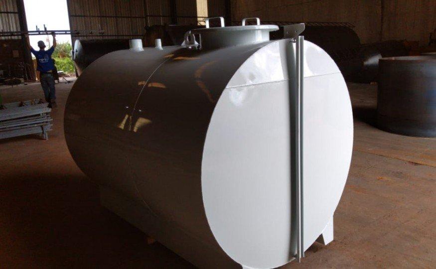 O Reservatório Cilíndrico Horizontal possui formato de tanque